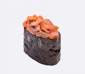 Острый с жареным лососем